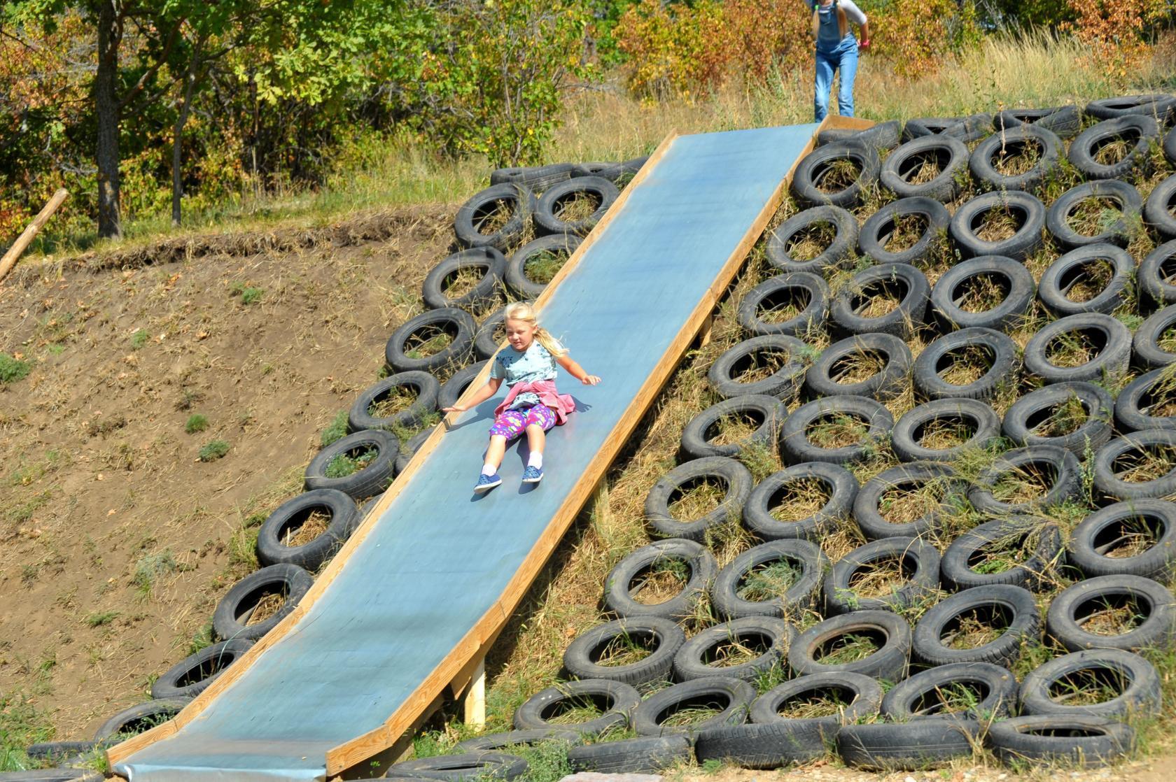 Детские площадки в Балаково недалеко от Волги